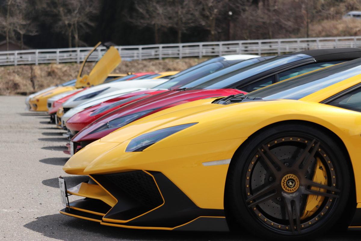 【フェラーリ】スーパーカーがやって来た【ランボルギーニ】